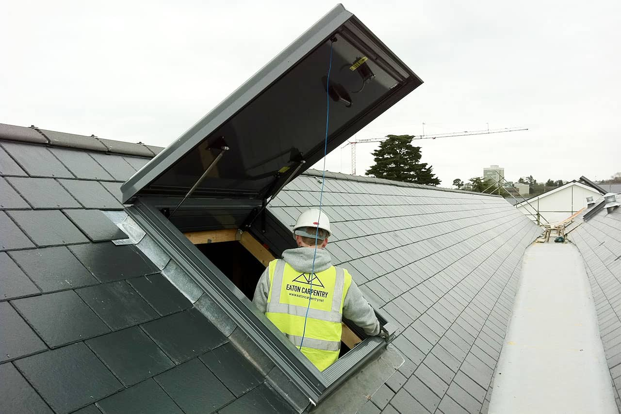 Pitched roof roof hatch